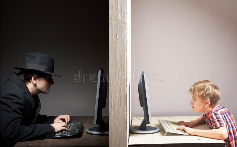 Опасная онлайн концепция приятельства стоковое фото rf