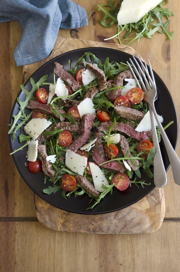 Опаленный салат стейка стоковые фото