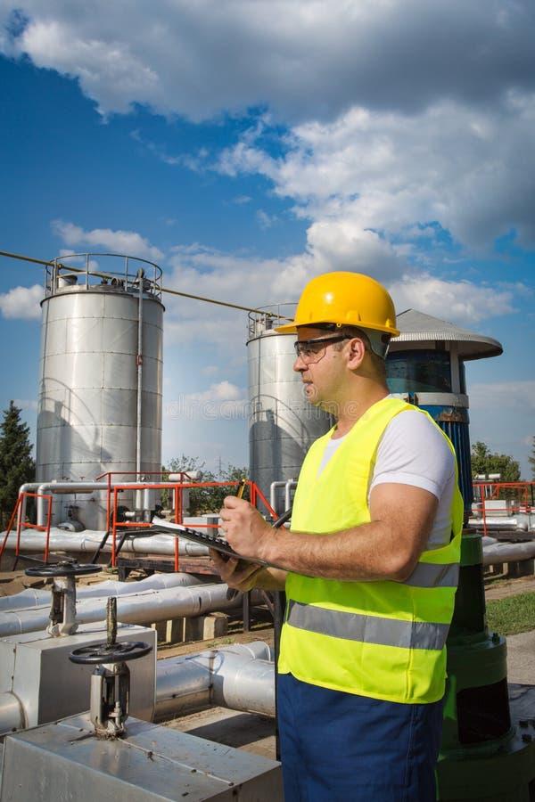 Оператор продукции нефти и газ Стоковое Фото