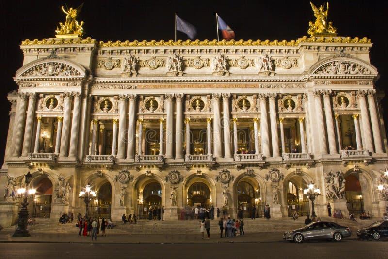 Опера Garnier на ноче, Париж стоковые изображения