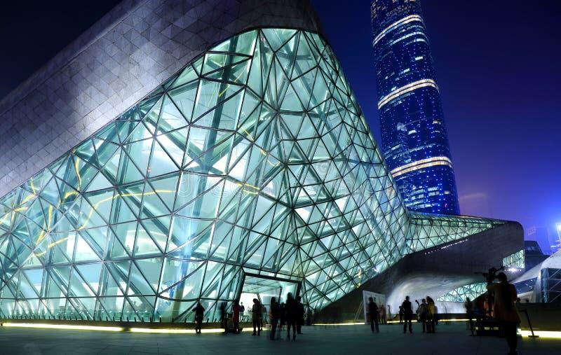 Оперный театр Гуанчжоу на ноче стоковые фотографии rf