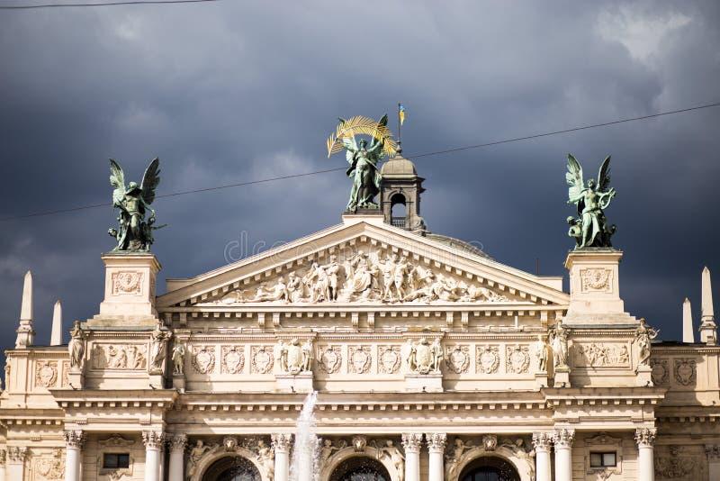 Оперный театр Львова, академичная опера и театр балета в Львове, Украи стоковое фото