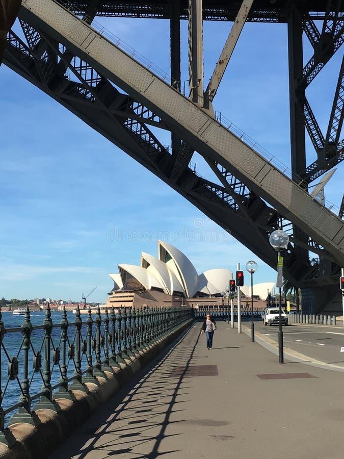 Оперный театр моста гавани Сиднея стоковое изображение