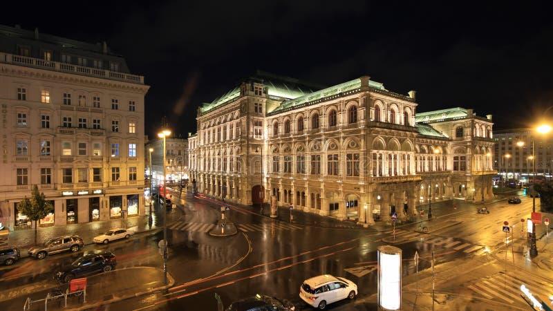 Оперный театр положения вены и гостиница Sacher к ноча стоковые фото