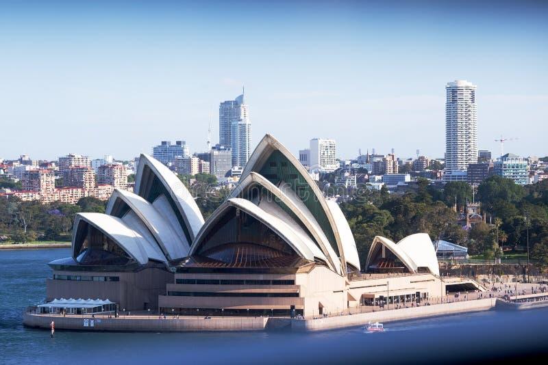 Оперный театр Сиднея от моста гавани стоковые фото