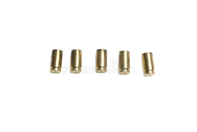 Опорожните раковины пули 9mm над белой предпосылкой стоковое изображение rf