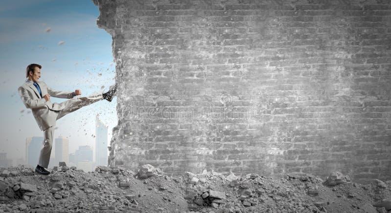 Download определенный бизнесмен стоковое изображение. изображение насчитывающей авария - 41651299