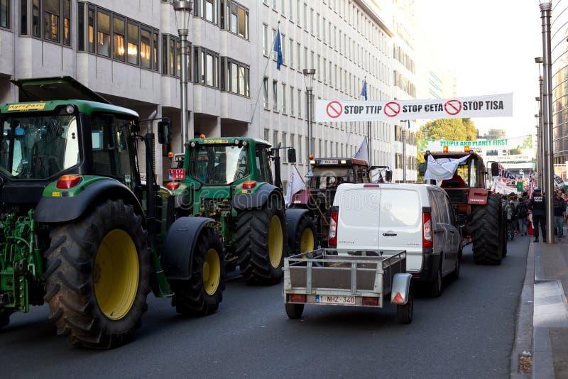 Опротестуйте против торговых соглашений TTIP и CETA в Брюсселе 20-ого сентября 2016 в Брюсселе стоковая фотография
