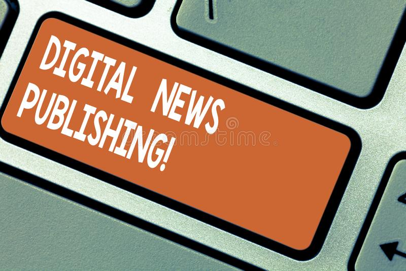 Опубликовывать новостей цифров текста сочинительства слова Концепция дела для электронного отчета о передачи настоящей информации стоковая фотография