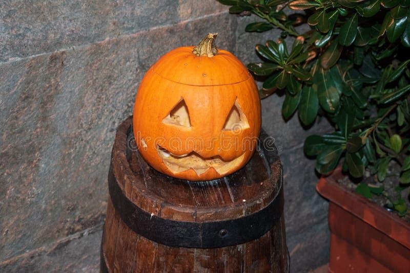 Оранжевая предпосылка тыквы хеллоуина в Пизе стоковые изображения