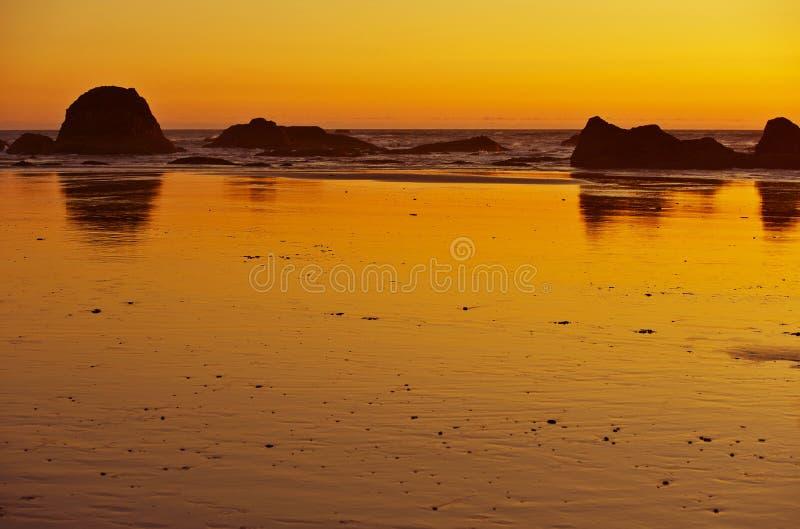 Оранжевый заход солнца океана стоковое фото rf