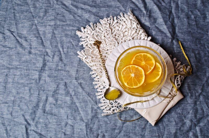 Оранжевый студень в стекле стоковое изображение