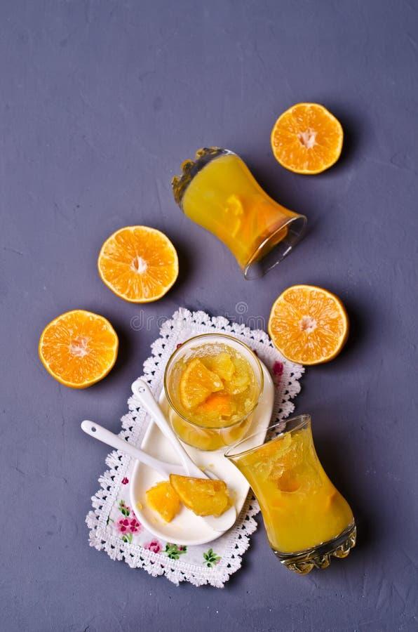 Оранжевый студень в стекле стоковые фото