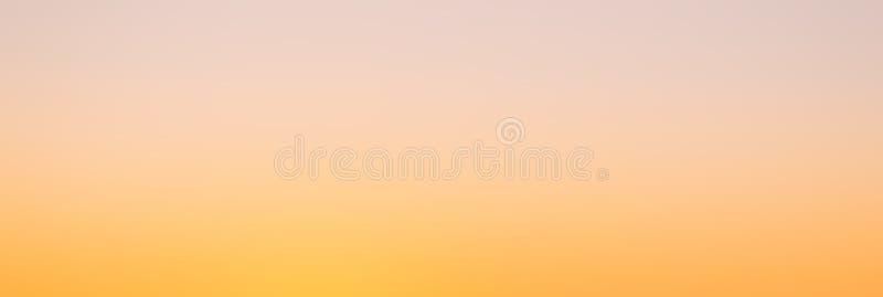 Оранжевым предпосылка запачканная конспектом стоковое изображение