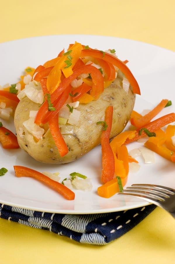 органическая картошка плиты паприки стоковые изображения