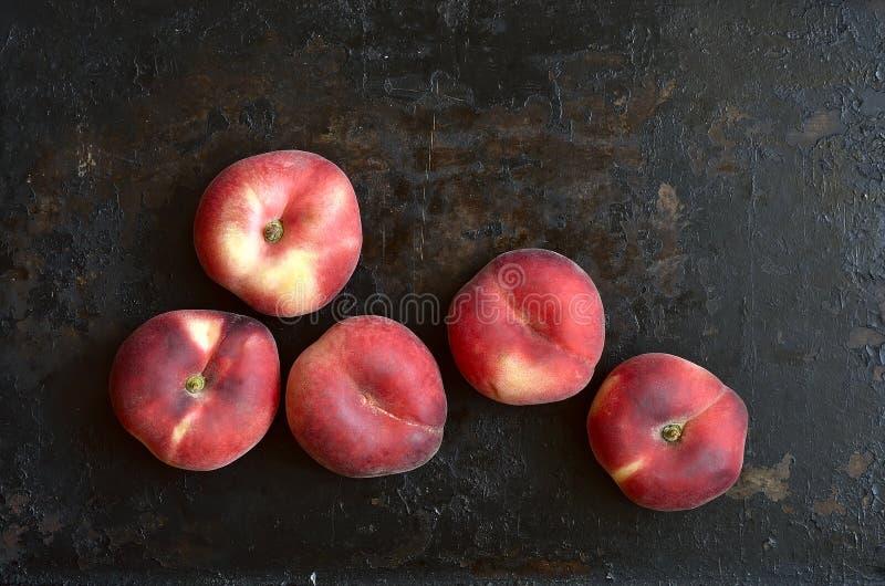 органические персики стоковые изображения rf