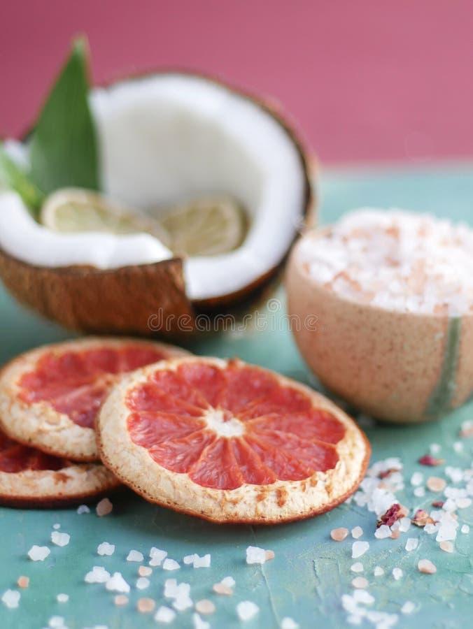 Органические продукты заботы ванны и тела стоковые фотографии rf