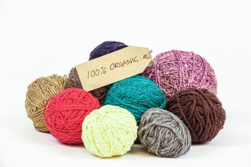 Органические шерсти пряжа шариков цветастая стоковая фотография rf