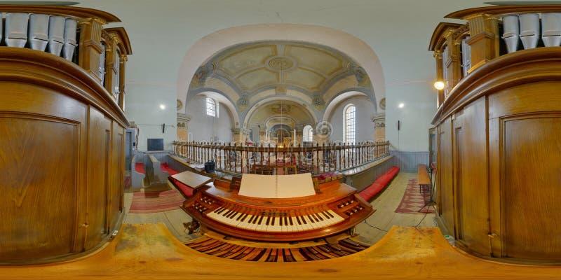 Орган церков St Peters, Gherla, Румыния стоковые изображения