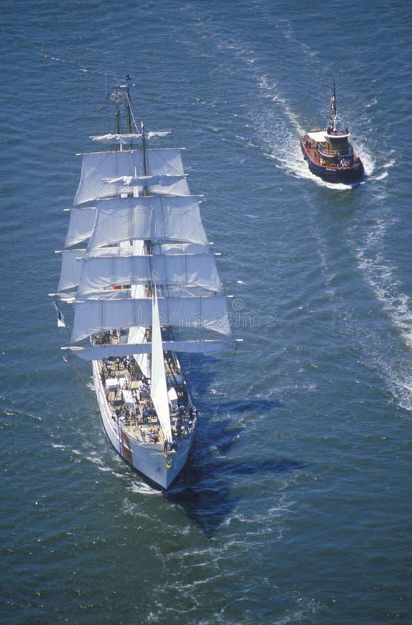 Орел корабля береговой охраны на Гудзоне во время торжества для статуи свободы, 4-ое июля 1986 100 год стоковые изображения rf