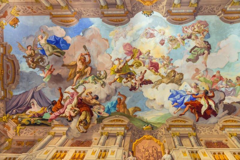 Ориентиры Австрии - аббатства Melk, фрески над потолком стоковые фотографии rf