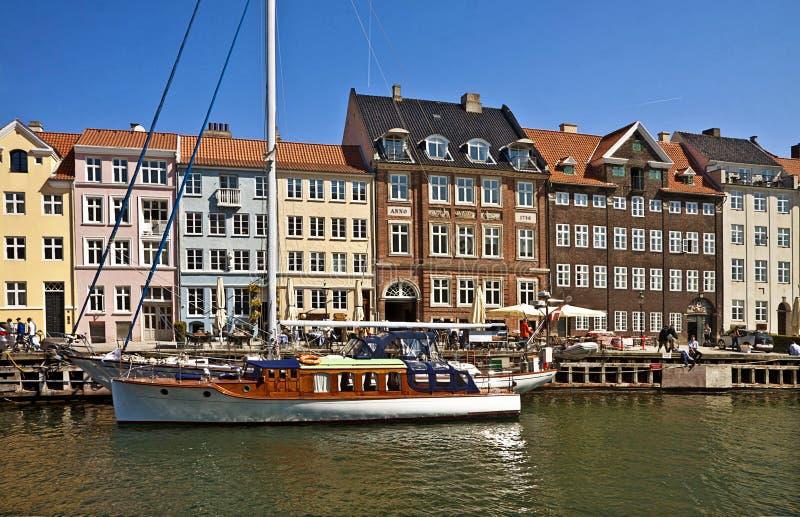 Ориентир ориентир Копенгагена, Nyhavn известные и район развлечений стоковая фотография