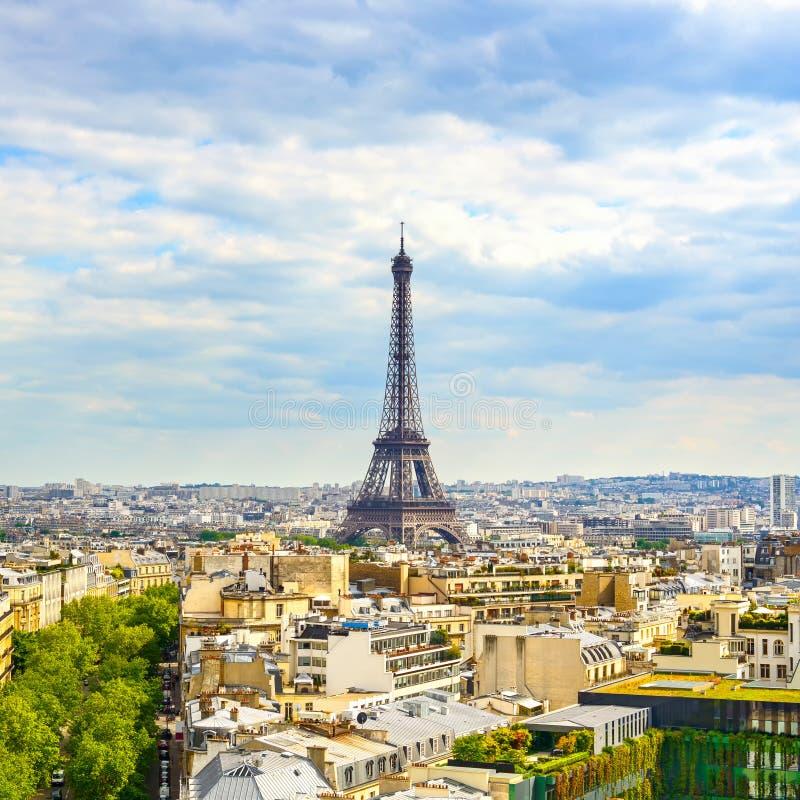 Ориентир ориентир Эйфелева башни, взгляд от Триумфальной Арки. Париж, Франция. стоковая фотография