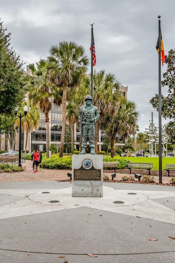 ОРЛАНДО, ФЛОРИДА, США - ДЕКАБРЬ 2018: Сражение мемориала выпуклины в парке Eola озера в городском Орландо, Флориде стоковая фотография