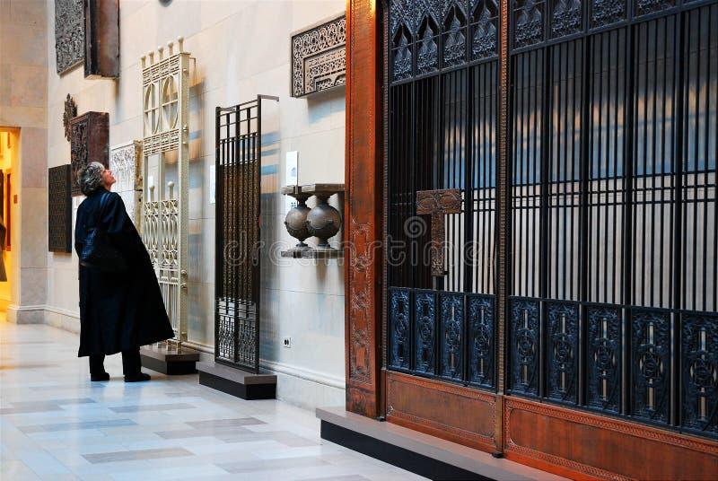 Орнаментальный лифт скрежещет на институте Чикаго искусства стоковая фотография
