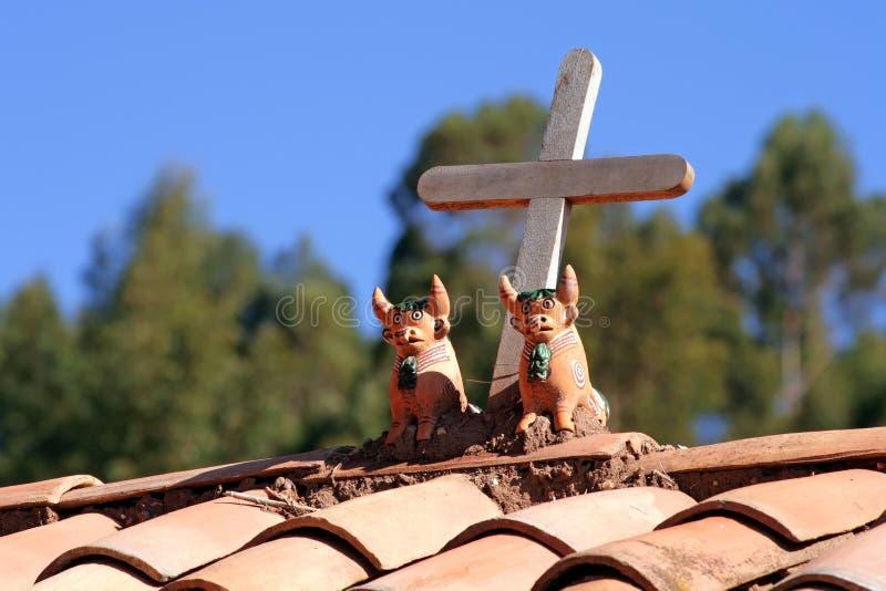 орнаментирует крышу Перу стоковые фото