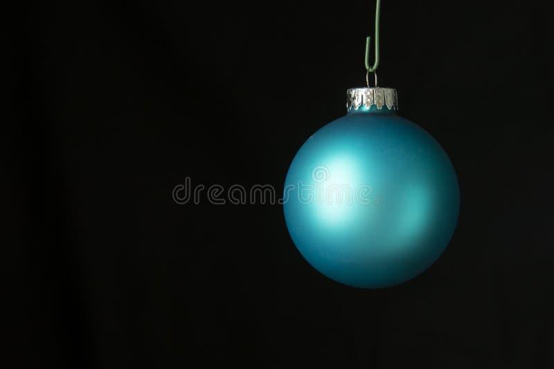 орнаменты handbell рождества ветви коробки шарика стоковые изображения