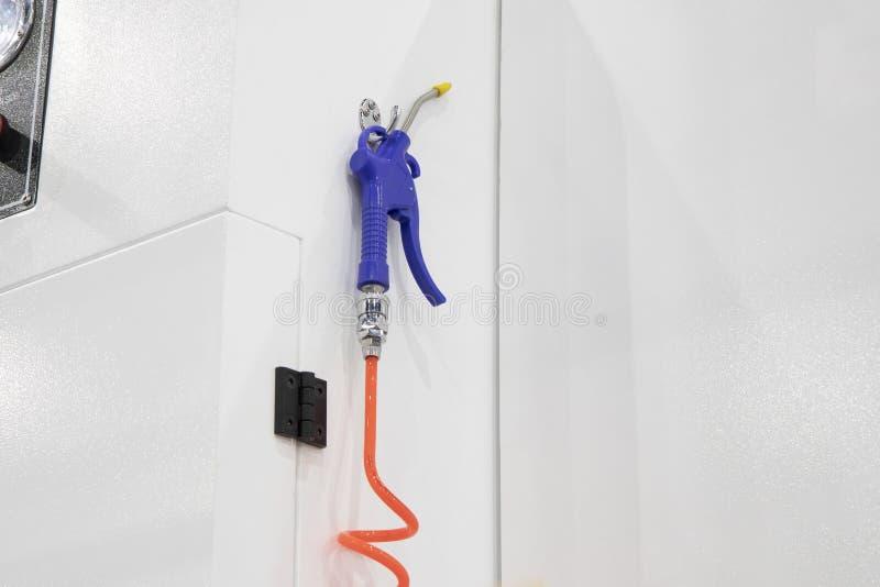 оружие дуновения голубого воздуха для промышленной машины стоковое изображение