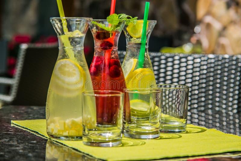Освежая питье цитруса лета лед-холодное стоковые фото