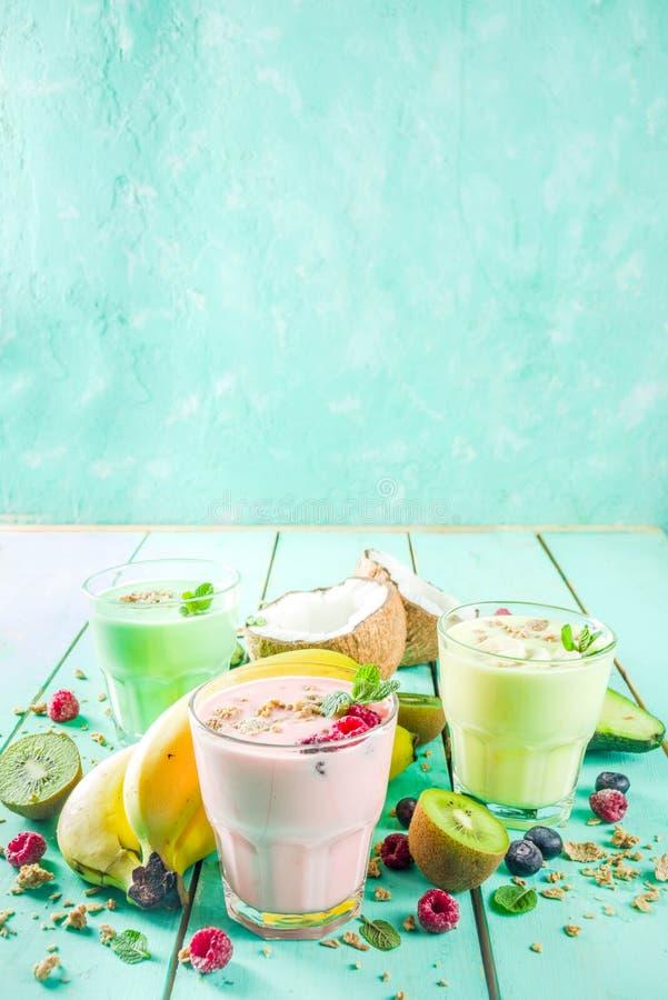 Освежая milkshakes или smoothies стоковые фото