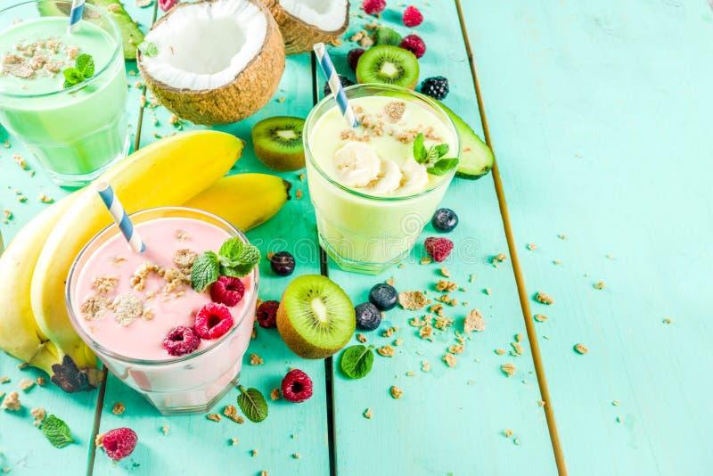 Освежая milkshakes или smoothies стоковая фотография