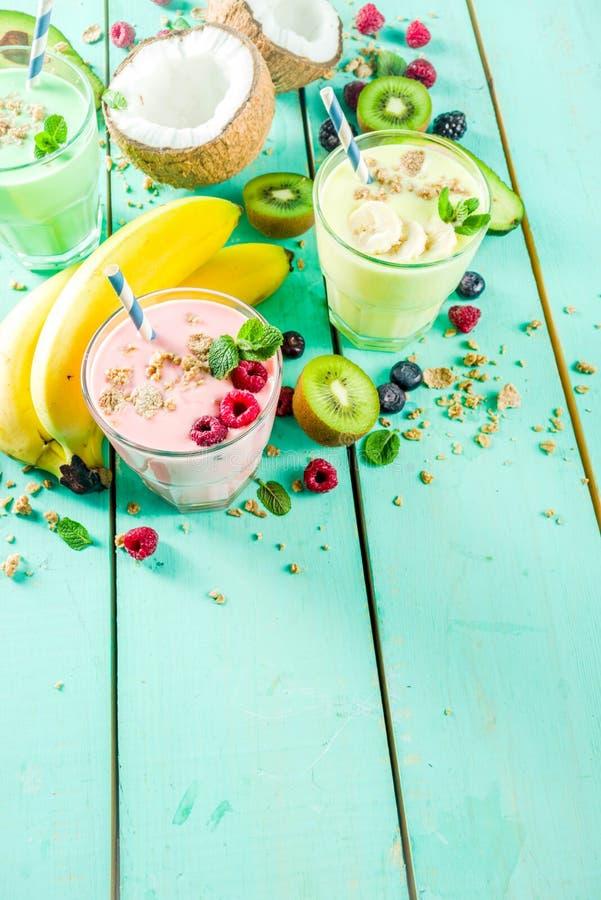 Освежая milkshakes или smoothies стоковое фото rf