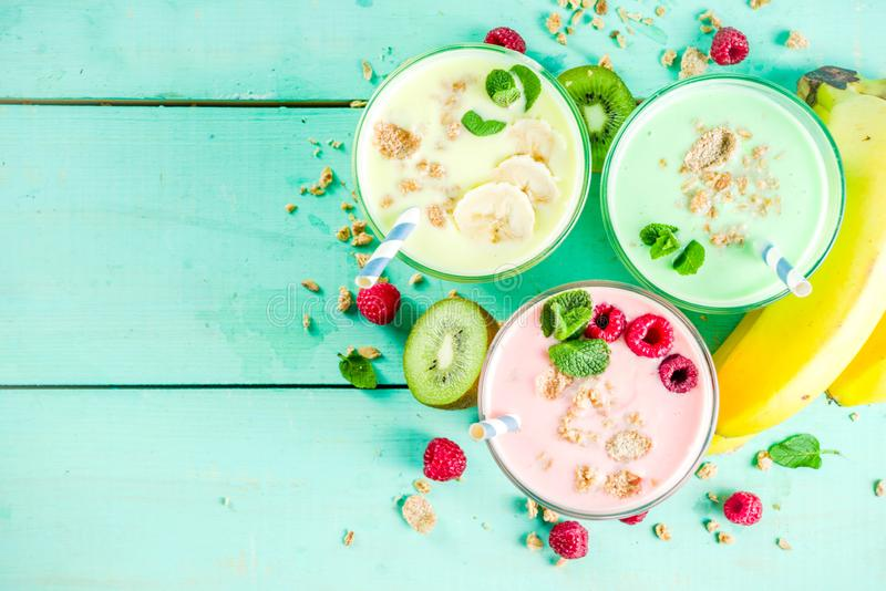 Освежая milkshakes или smoothies стоковое изображение rf