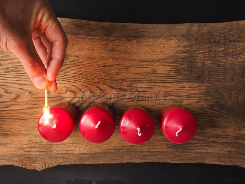 Осветите свечку стоковое изображение