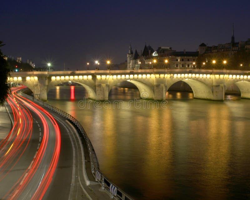 освещает paris стоковое изображение