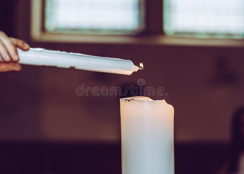 Освещать свечу стоковое фото rf