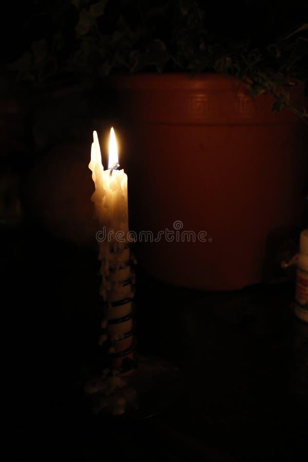 освещенная свеча стоковые изображения rf