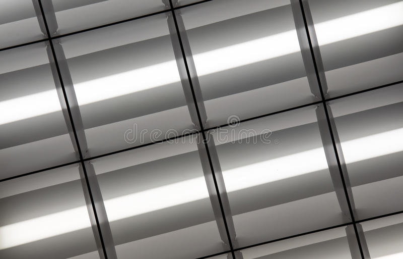освещенные люминесцентные лампы стоковая фотография rf