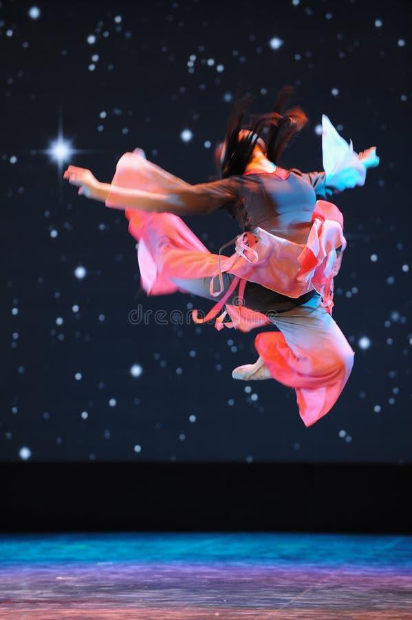 Освобожданный танец скачк-людей стоковые фото