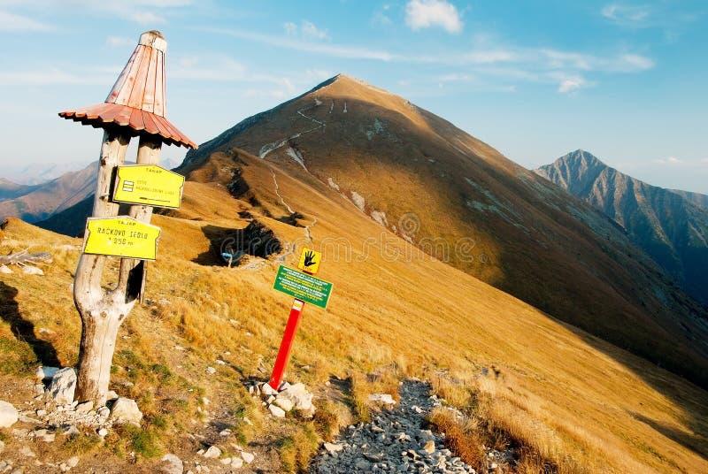 осенний взгляд rohace гор стоковая фотография rf
