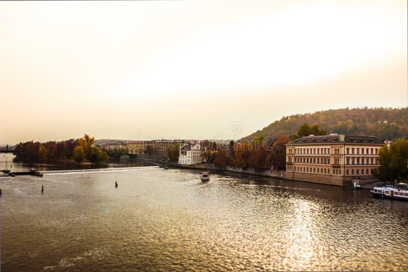 Осень в Праге, чехии, Европе стоковое фото rf