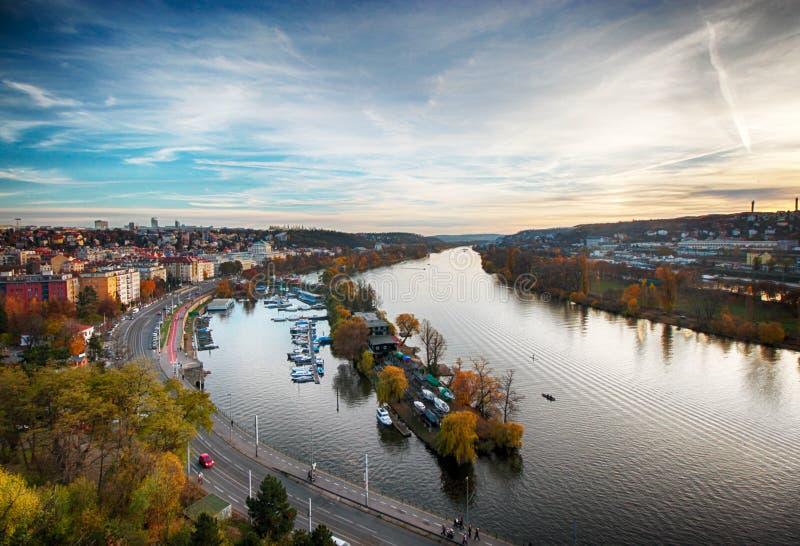 Осень и река в Праге стоковая фотография