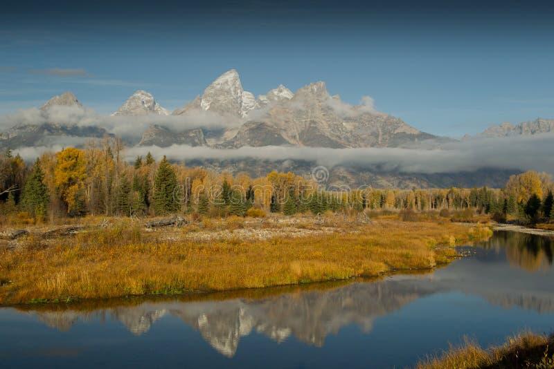 осень красит грандиозные tetons стоковая фотография rf