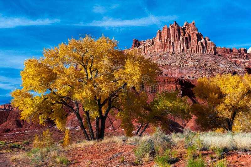 Осень на замке стоковое изображение rf