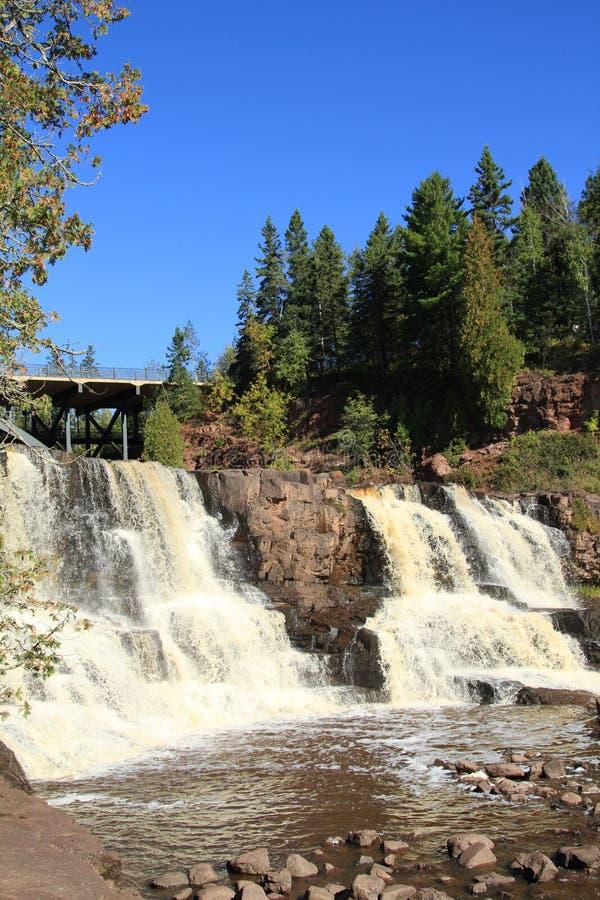 Осень на крыжовнике понижается водопады Минесота стоковое фото