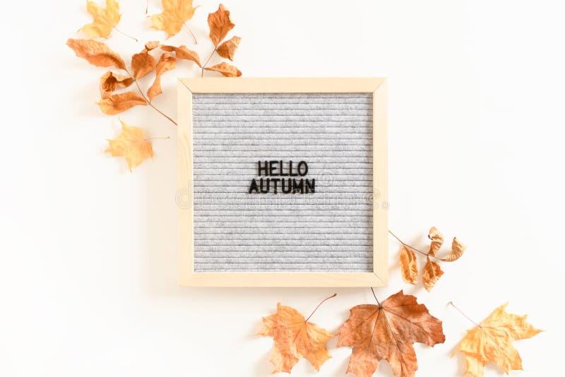 Осень цитаты здравствуйте стоковые фотографии rf